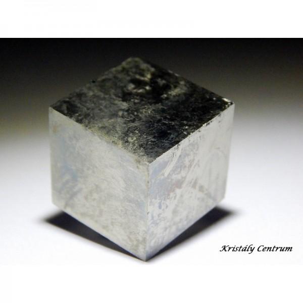 Pirit kocka ásvány